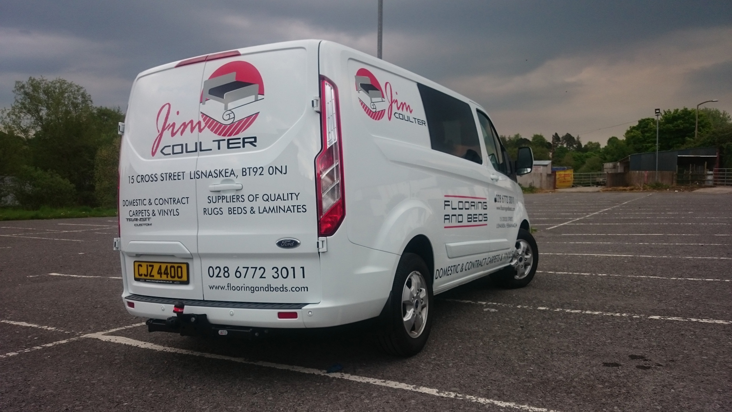At LE Graphics We Design And Fit Vehicle Graphics To A Wide Range Of Vans,  Lorries And Cars For All Types Of Business.